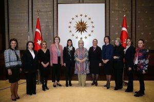 Emine Erdoğan, Hollanda'lı kadın çiftçilerle bir araya geldi