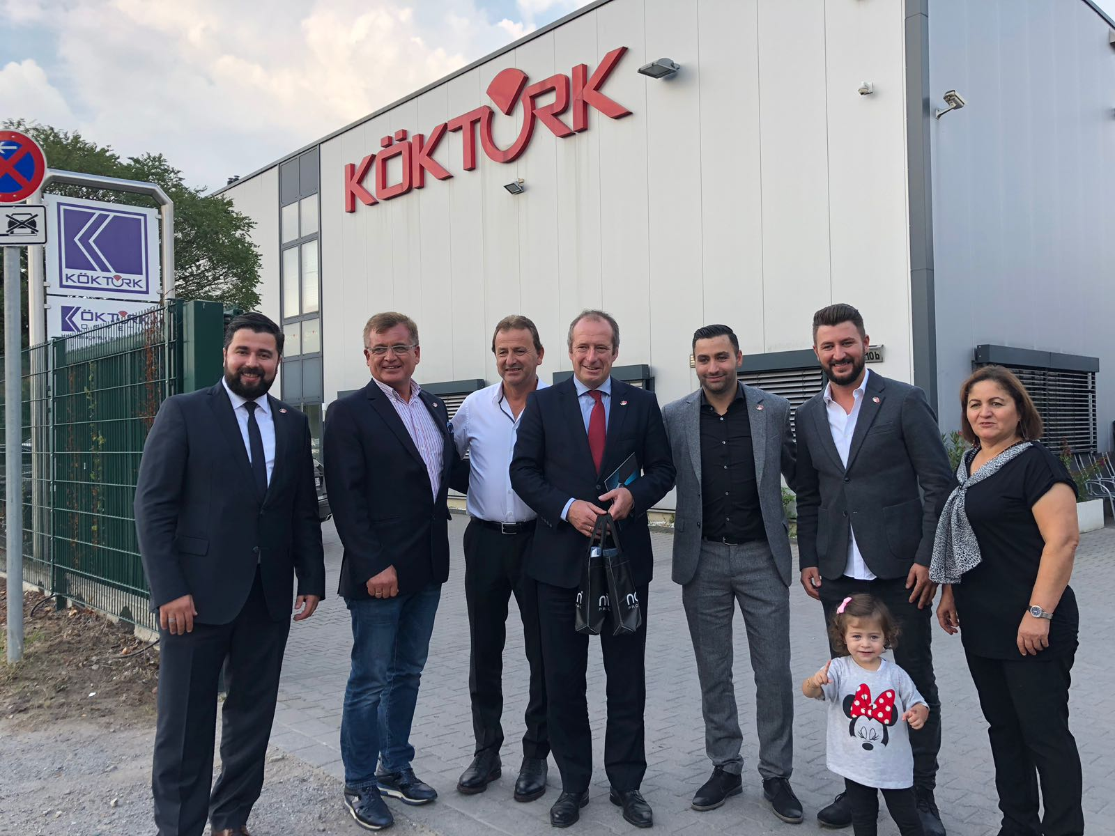 Alman Vekilden Türk Esnaflara Övgü