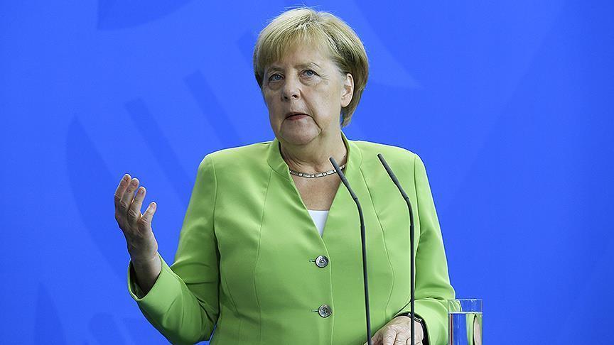 Merkel'den 'iki devletli çözüm' vurgusu