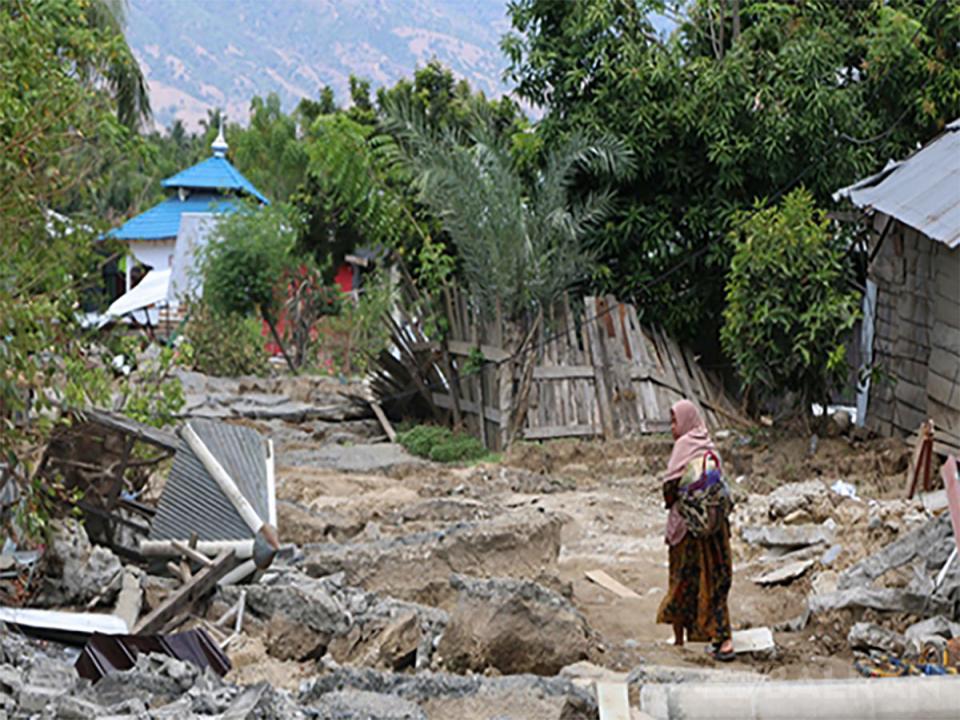 Endonezya'da Ölü Sayısı 2 Bin 256'ya Çıktı