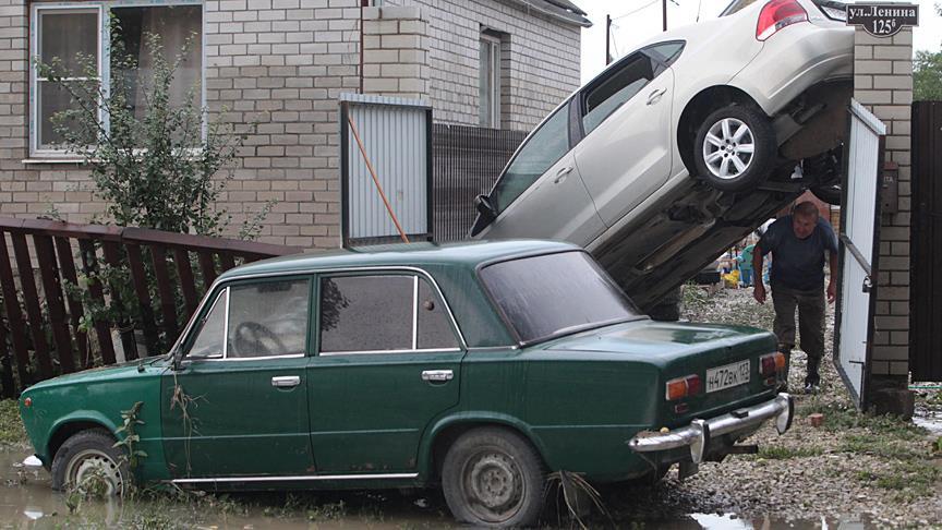 Rusya'da sel felaketi: 6 ölü, 13 yaralı