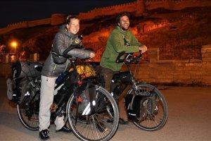 Belçika'dan bisikletle Van'a geldiler
