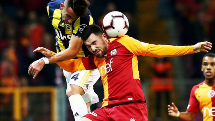 Galatasaray başladı Fenerbahçe bitirdi!  Derbi 2-2 berabere kaldı
