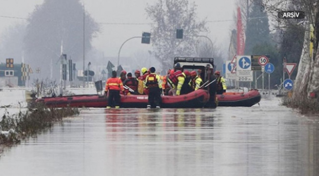 İtalya Sicilya'da nehir taştı: En az 12 ölü