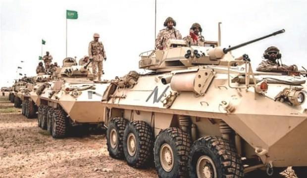 ABD himmetindeki Suud ordusu, Müslüman Yemen'e vumaya başladı
