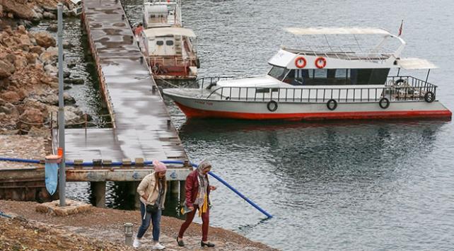 Akdamar Adası tatlı suya kavuşmasıyla yılın her mevsimi yeşil kalacak