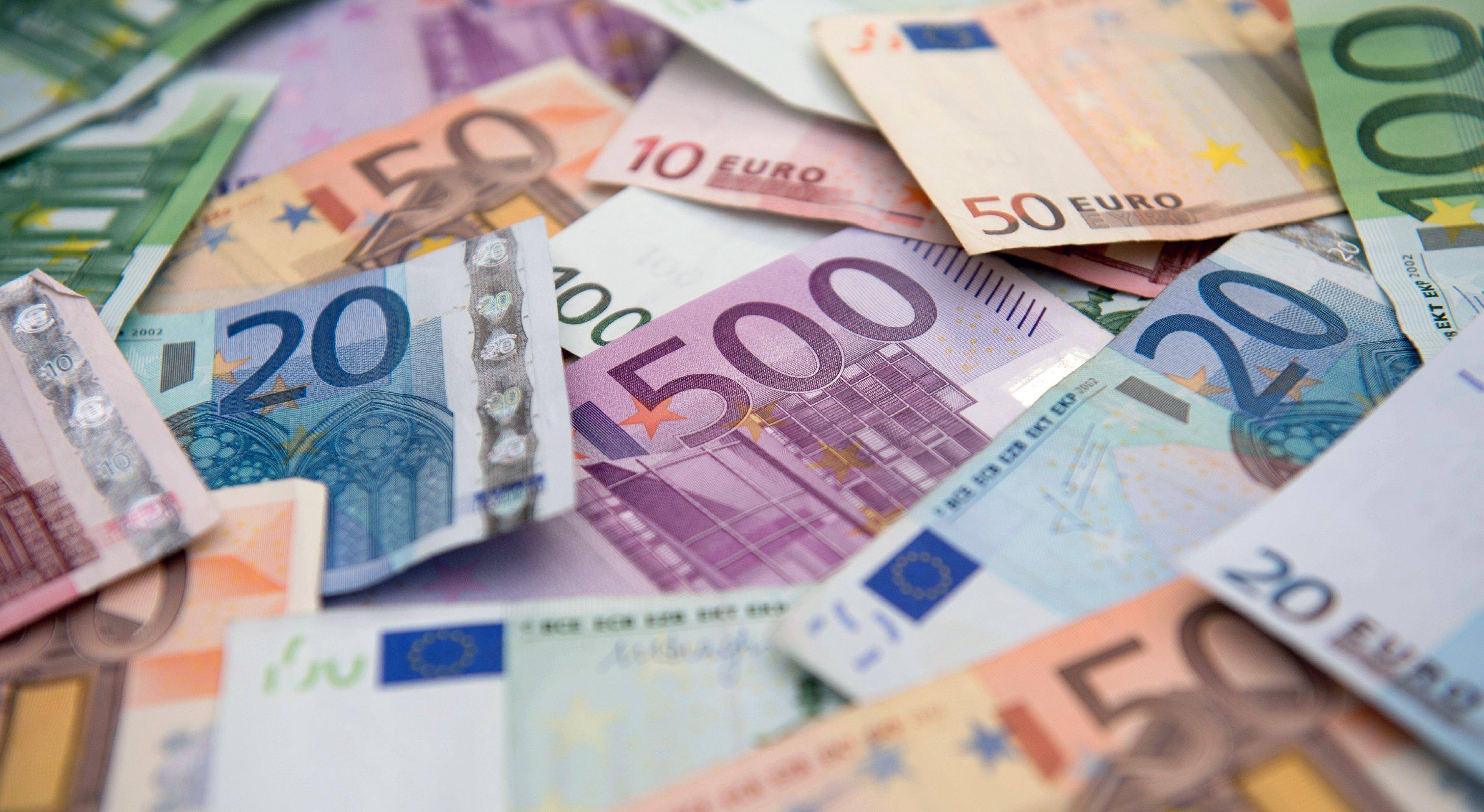 Alman Bankası Deutsche Bank 200 milyar Euro'luk kara para skandalına karıştı