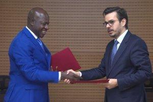 TRT'den Gambiya'ya destek