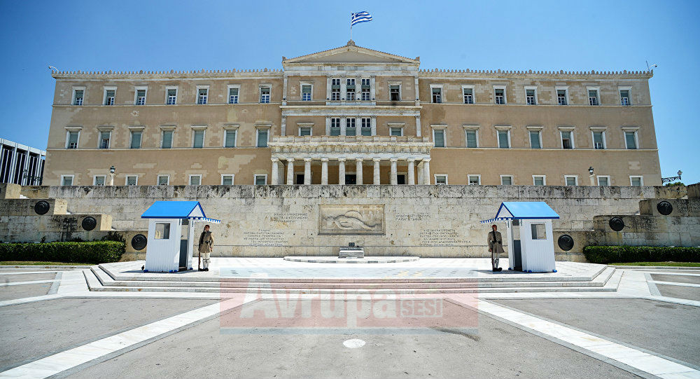 Yunanistan'dan 'kahraman' göçmenlere vatandaşlık