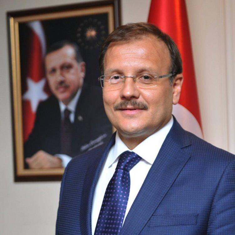 Hakan Çavuşoğlu durmak bilmiyor