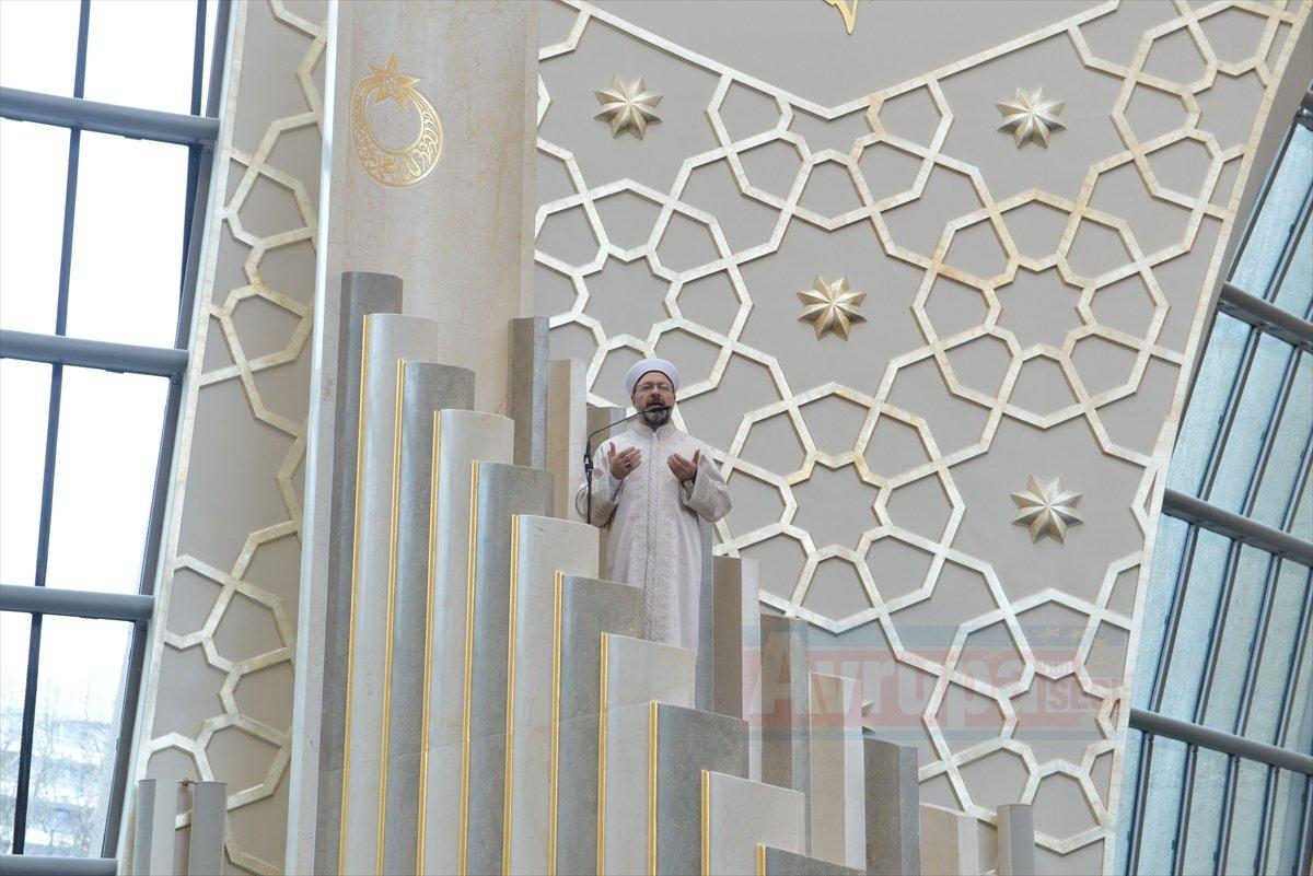 DİTİB Köln Merkez Camii'nde hutbe irad etti