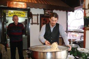 Trabzon'da 163 yıllık lezzet, Uzak Doğulu turistlerin gözdesi oldu