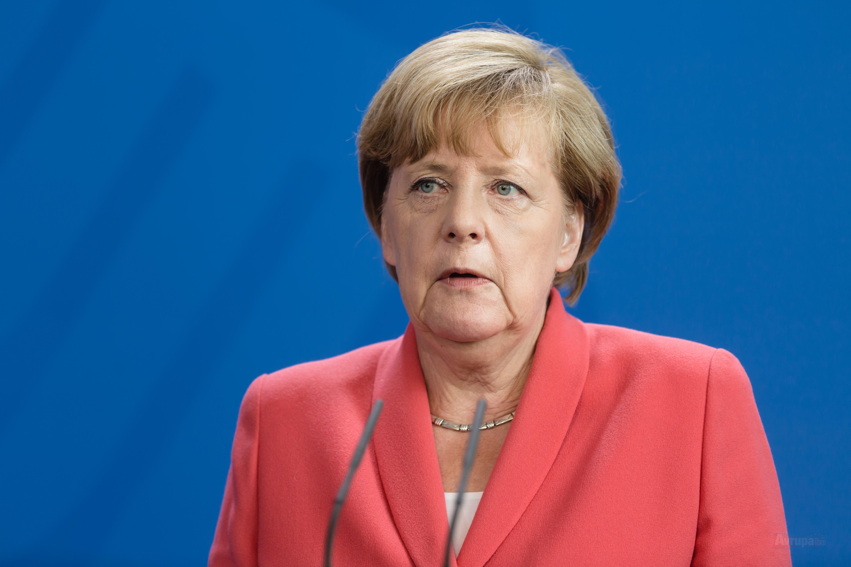 Angela Merkel'in kişisel bilgileri çalındı