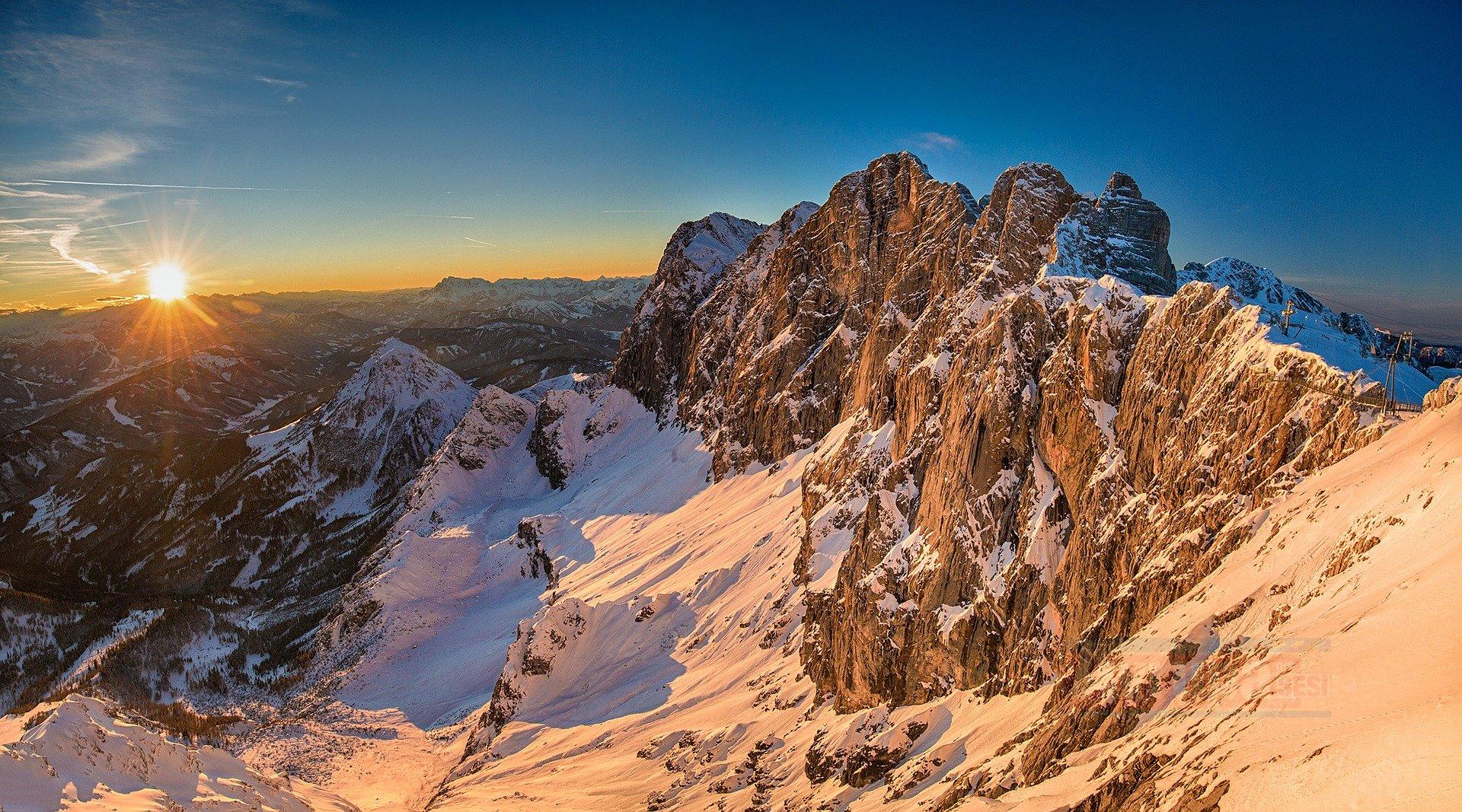 Avusturya'da yoğun kar yağışı hayatı olumsuz etkiliyor