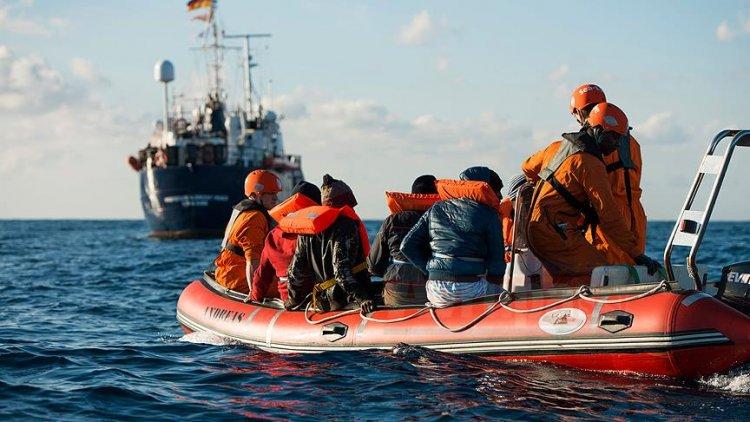 Akdeniz'de 19 gündür bekleyen düzensiz göçmenlerin durumu çözüme kavuştu