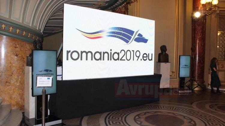 Romanya AB dönem başkanlığını devraldı