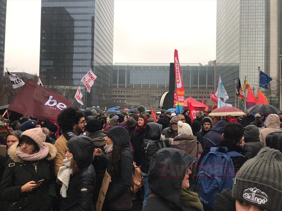 Brüksel'de sığınmacılara destek protestosu