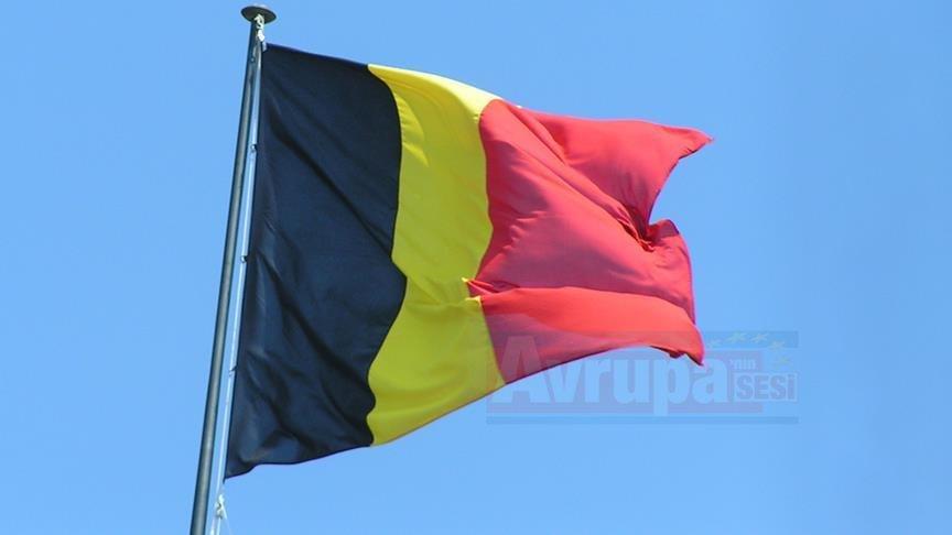 Belçika'da aşırı sağcı siyasetçi insan kaçakçılığından tutuklandı