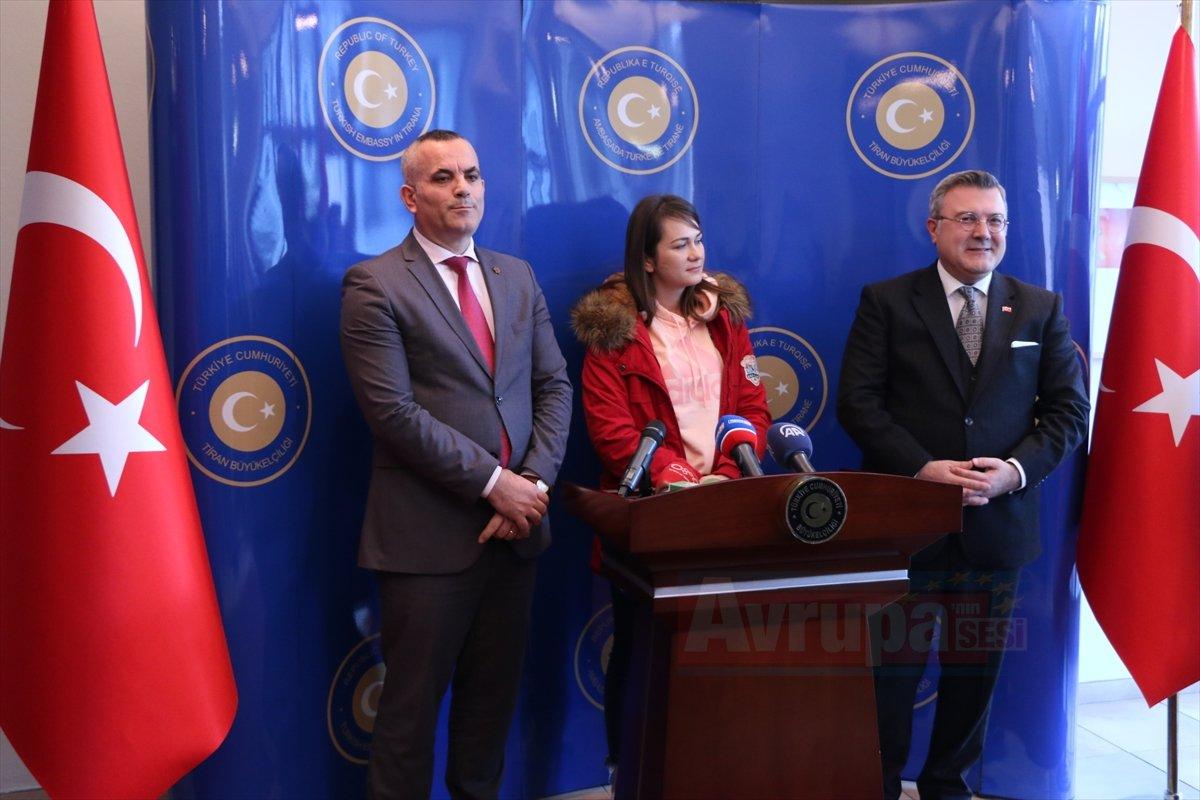 Türkiye'de ameliyat edilen Arnavut polisi kabul etti