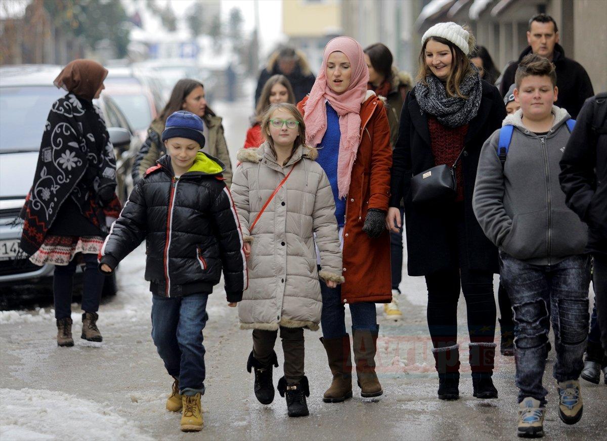 UID burslusu çocuklar başkent Saraybosna'yı gezdi