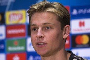 Barcelona De Jong'u transfer etti