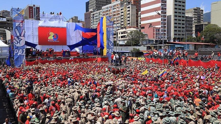 Venezuela'da yaşananlar dudak uçutuyor