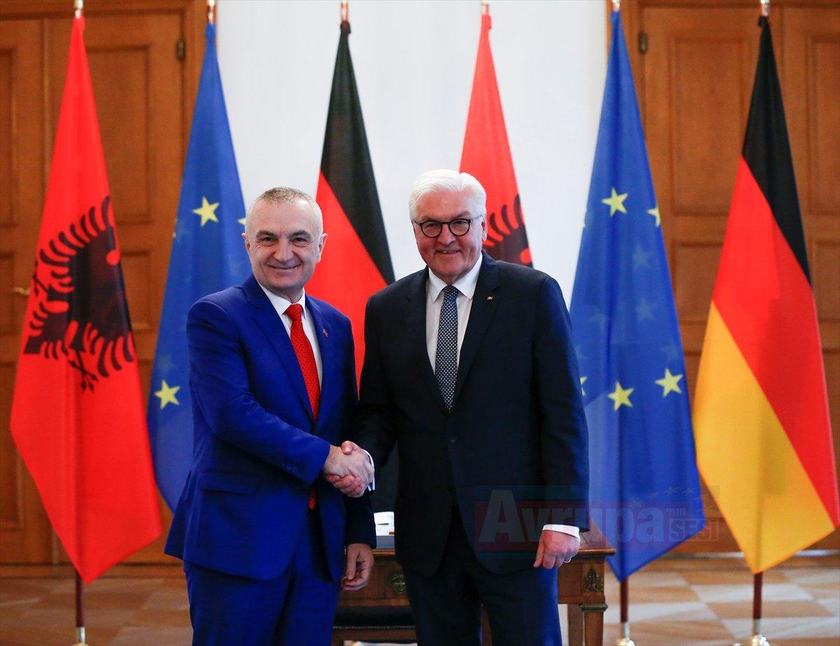 Steinmeier Arnavutluk Cumhurbaşkanı İlir Meta'yı kabul etti