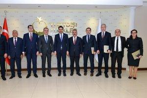 Azerbaycan Eğitim Bakanı Bayramov, YTB Başkanı Eren'i ziyaret etti
