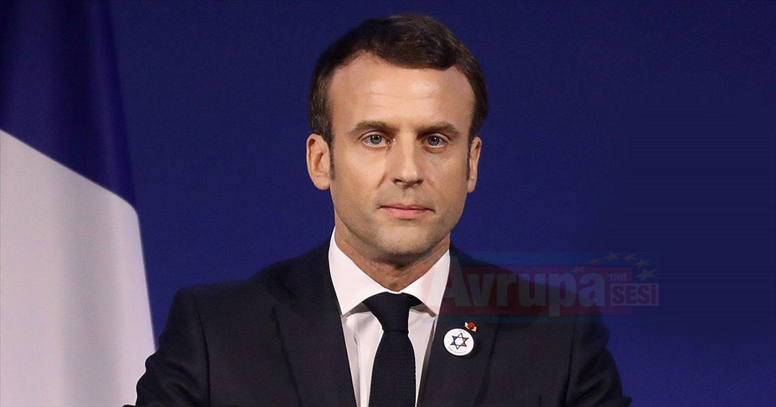 Macron'un portreleri çalındı