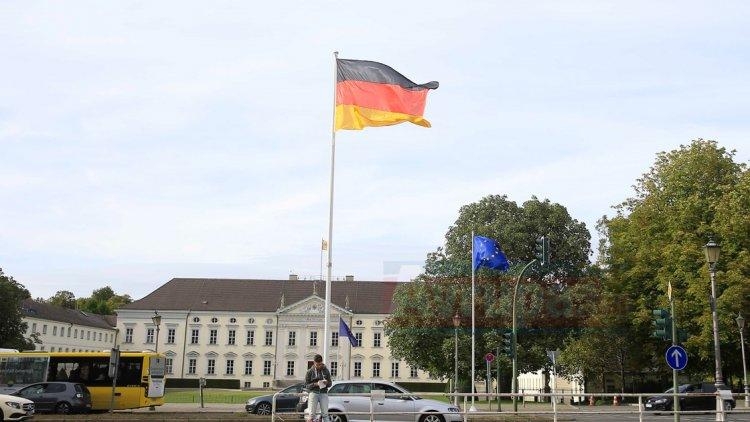 Almanya'da yabancı terör örgütlerinin saflarında yer alan vatandaşlıktan çıkartılacak