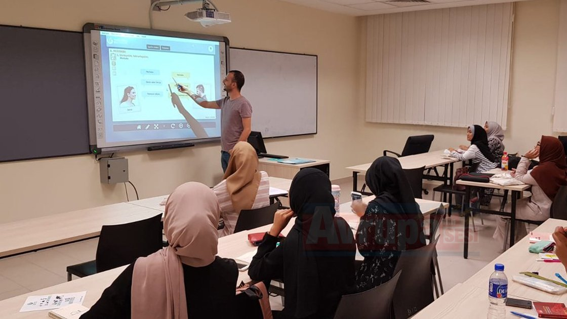 Üniversite Türkçe derslerine başladı