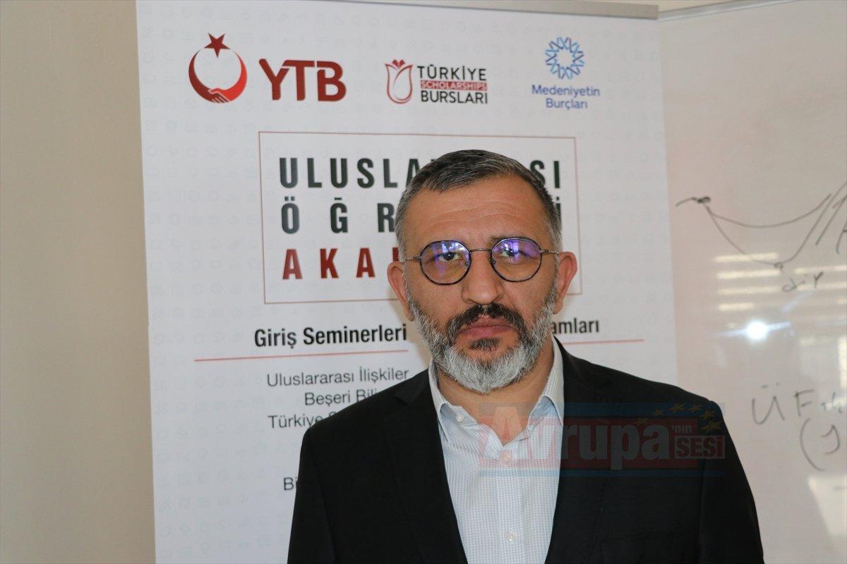 Türkiye'de eğitim alıp ülkelerinde