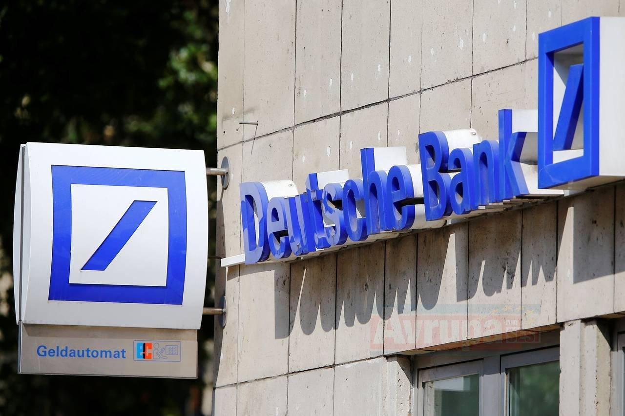 Deutsche Bank ve Commerzbank , birleşme için ön görüşmeler yapıyor