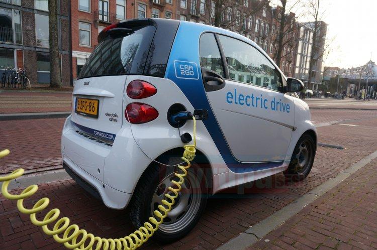 Elektrikli otomobil bataryası için çok sayıda başvuru