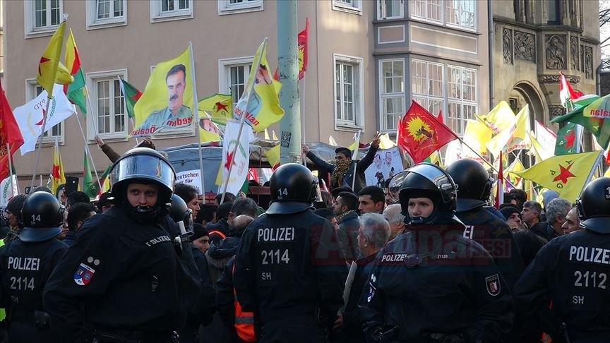 Almanya'da PKK yandaşları devlet radyo televizyonunu işgale kalkıştı