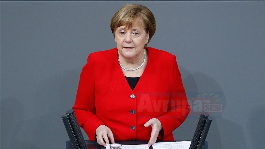 Angela Merkel'den açıklama