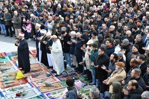 Stockholm'de, Yeni Zelanda'da şehitler için gıyabi cenaze namazı kılındı