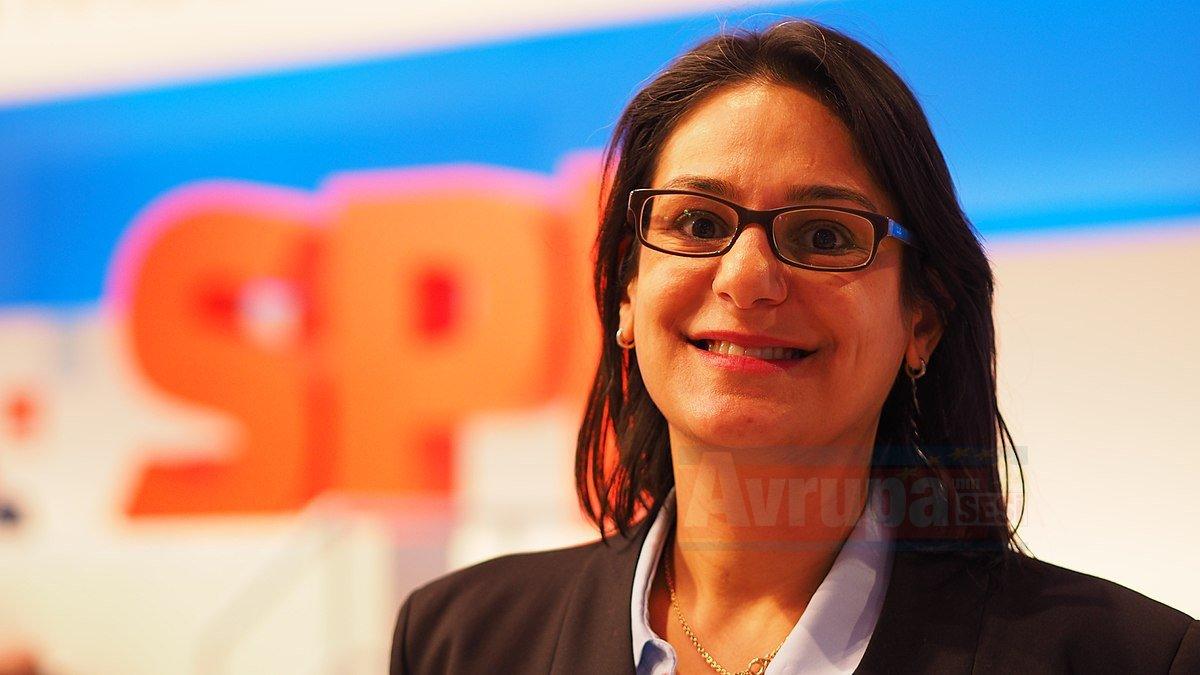 Almanya'da Türk kökenli siyasetçi SPD eyalet teşkilatı başkanlığına seçildi