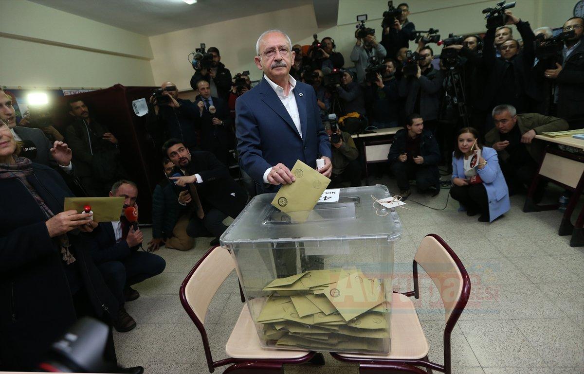CHP Genel Başkanı Kemal Kılıçdaroğlu oy kullandı