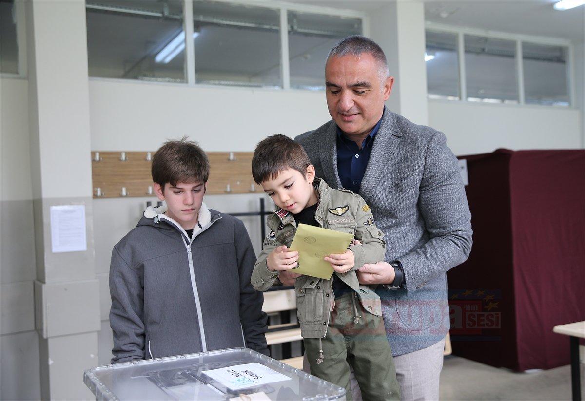 Bakan Mehmet Nuri Ersoy oyunu kullandı