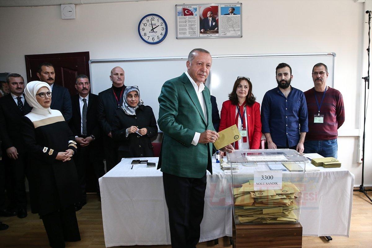 Cumhurbaşkanı Erdoğan, oyunu İstanbul'da kullandı