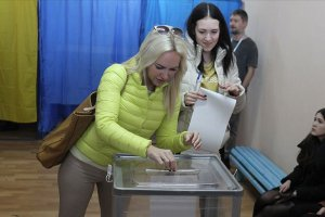 Ukrayna'da seçimler ikinci tura kaldı