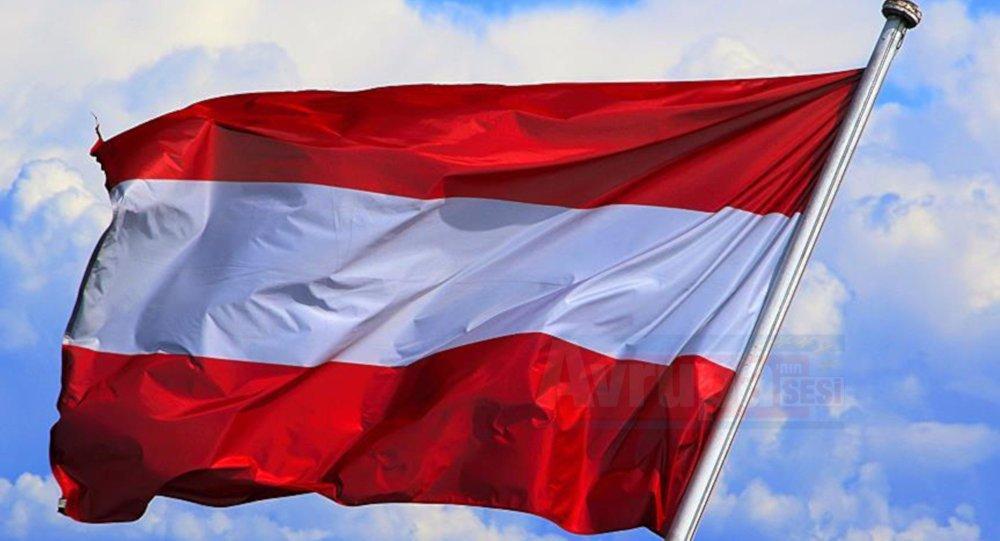 Avusturya sınır kontrollerini bir kez daha uzatıyor