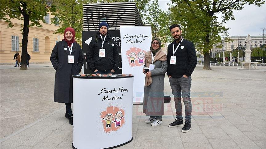 Avusturya'da 'Buyurun Ben Müslümanım' etkinliği