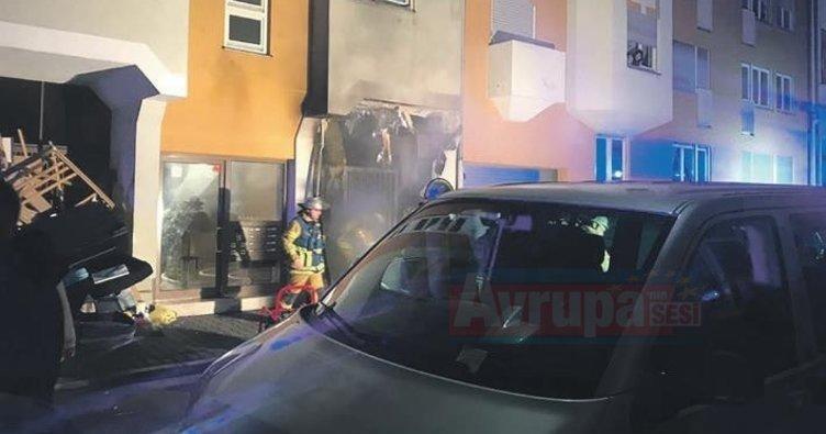 Türklerin oturduğu binada yangın