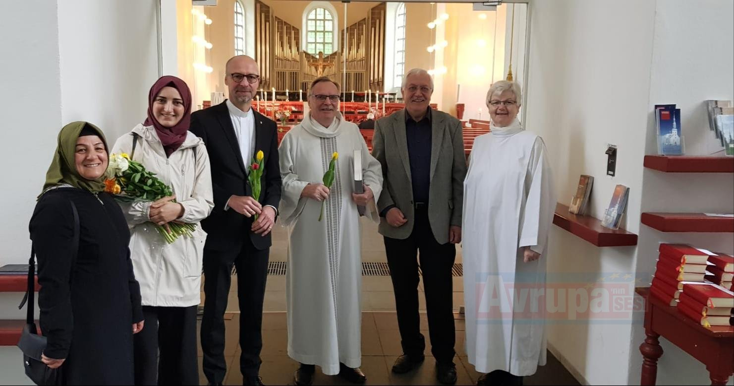 IGMG cemiyeti kiliseyi ziyaret etti