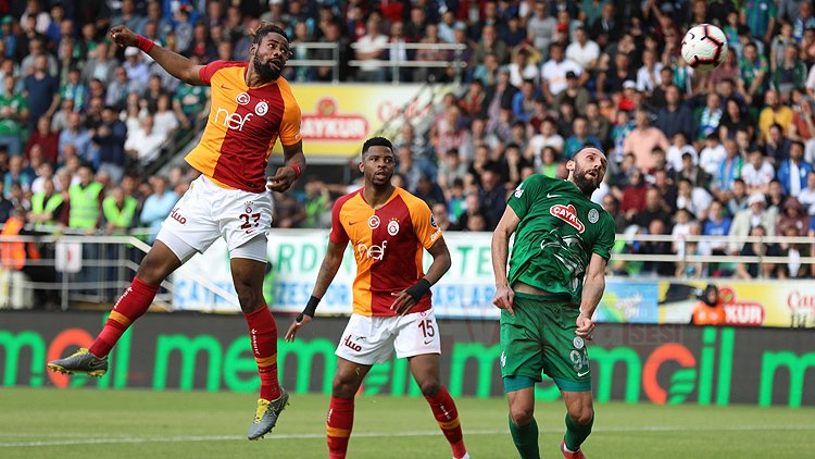 Galatasaray deplasmandan 3 puanla dönüyor