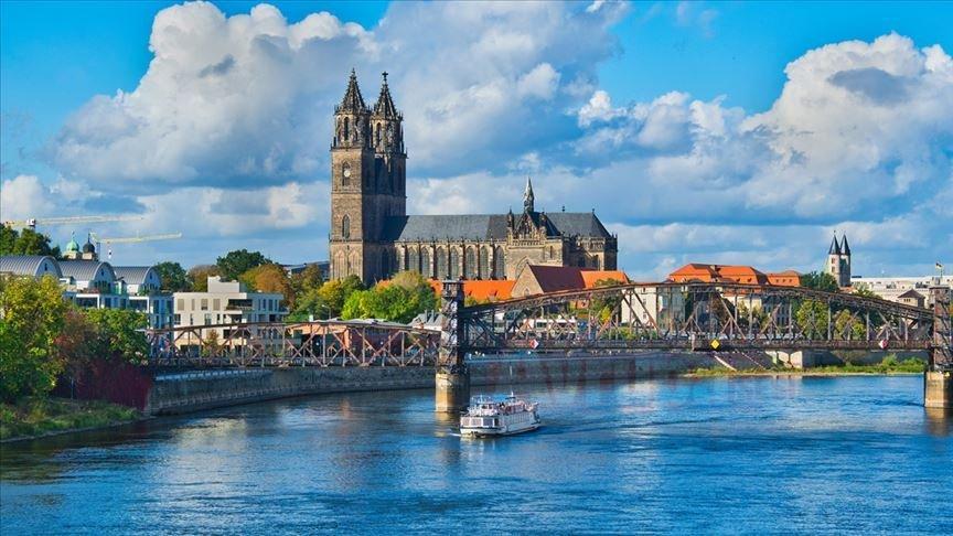 Almanya'da kadınlar 'kilise grevi' başlattı