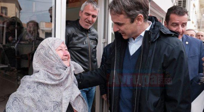 Yunan Başbakan'ını zor günler bekliyor