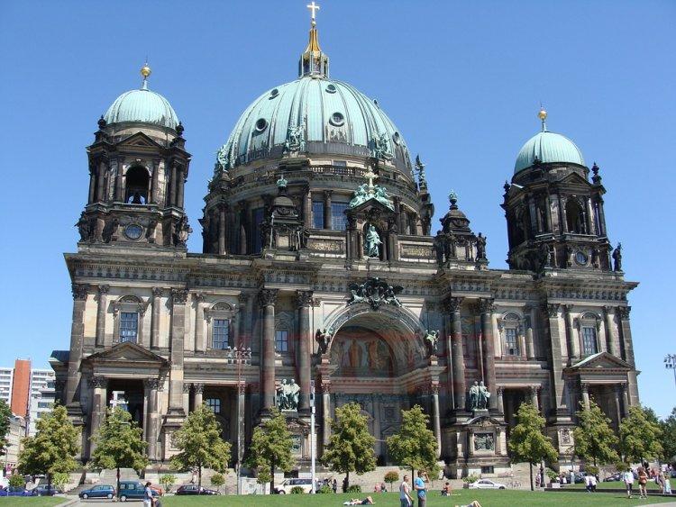 Almanya'da kiliseler kan kaybediyor